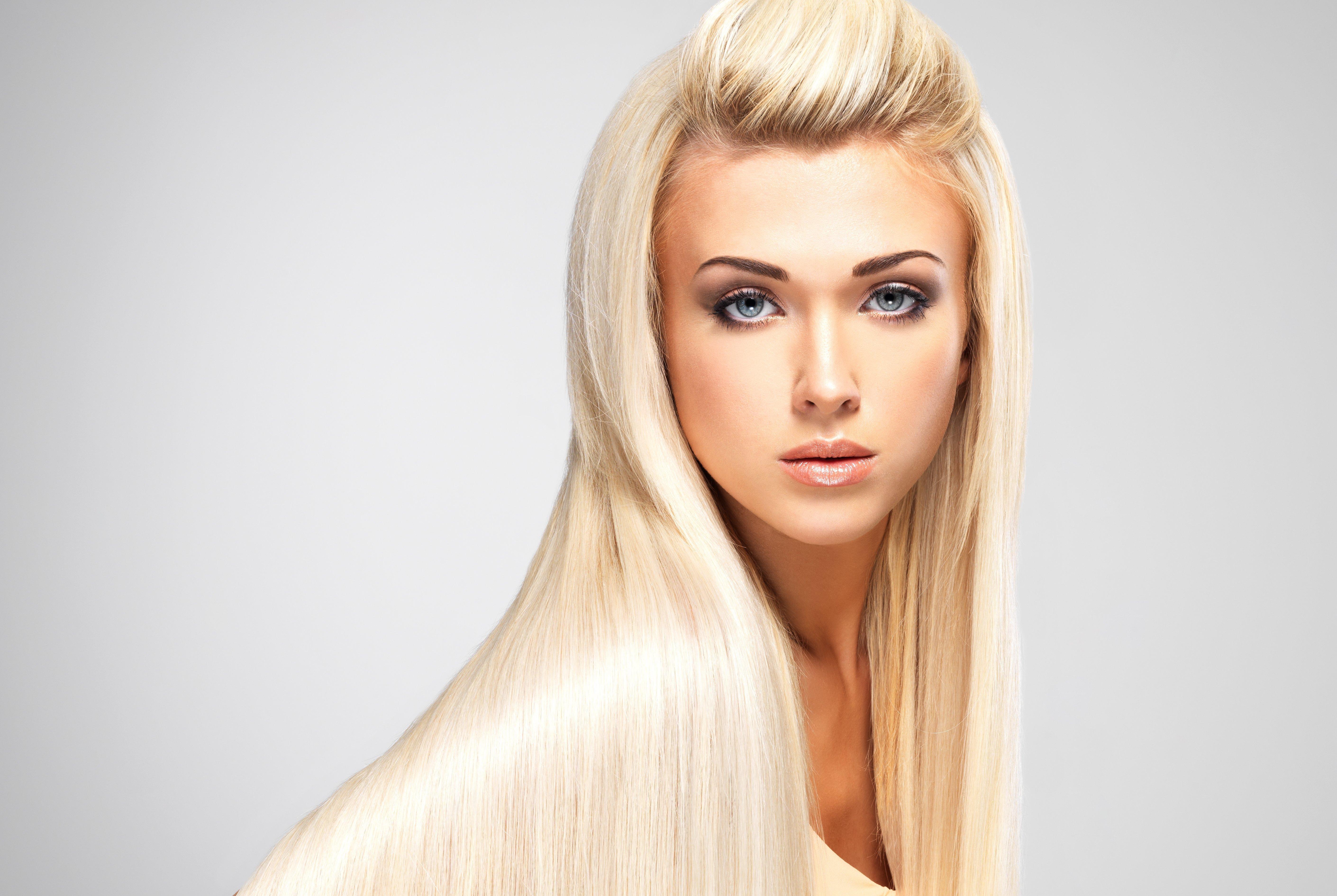 Пышные блондинки с длинными волосами 10 фотография